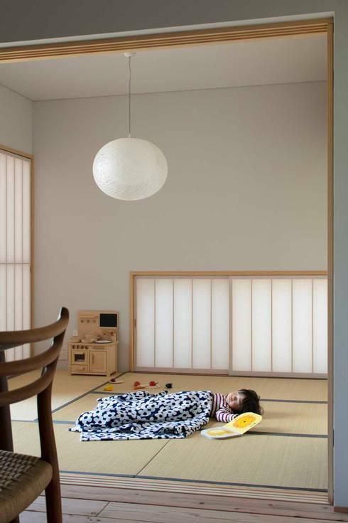 倉坂の家: 五藤久佳デザインオフィス有限会社が手掛けた和室です。