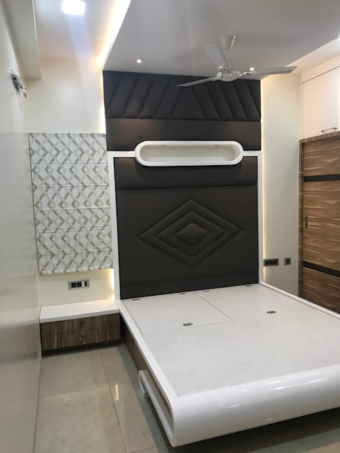 Luxury Interior Design  3 BHK Flat:  Bedroom by Nabh Design & Associates
