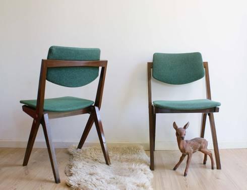 Toffe vintage meubels en retro design door flat sheep homify - Houten stoelen om te eten ...
