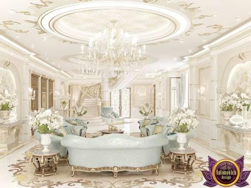   Royal interiors by Katrina Antonovich:  Corridor & hallway by Luxury Antonovich Design