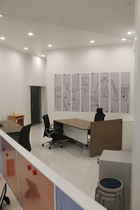 Featherlite Retail Store:  Offices & stores by Vedasri Siddamsetty