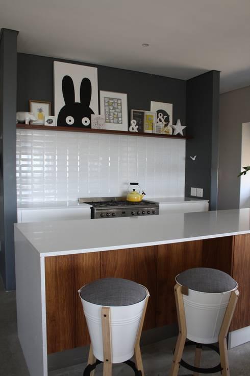 2: modern Kitchen by Duvenci Interiors