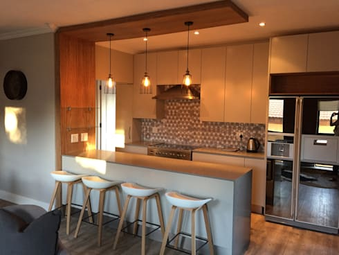 3: modern Kitchen by Duvenci Interiors
