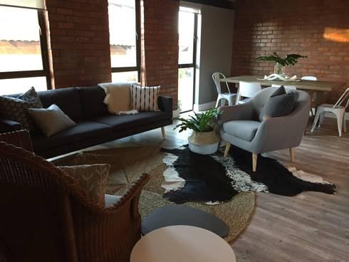 3: modern Living room by Duvenci Interiors
