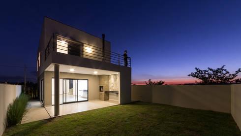 Casa sg por tagu arquitetura design homify for Casa minimalista industrial