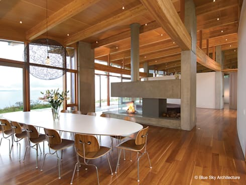modern Living room by Helliwell + Smith • Blue Sky Architecture