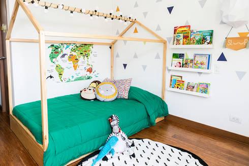 Cuarto de Martín Arango: Habitaciones infantiles de estilo  por Little One