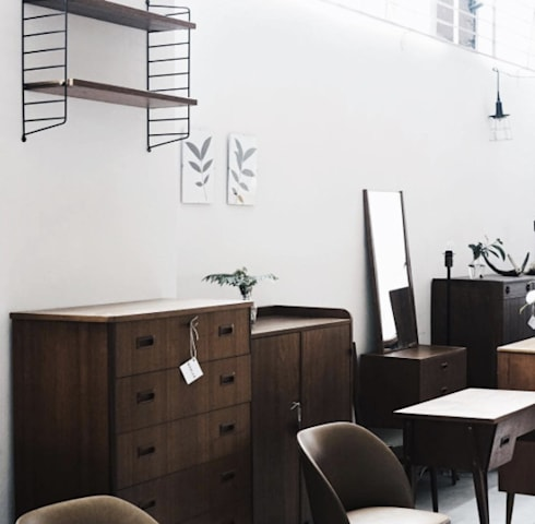 MÖBLER—Scandinavian Vintage. Authentic and Unique furniture and decor for those who want to be different.: scandinavian Living room by MÖBLER