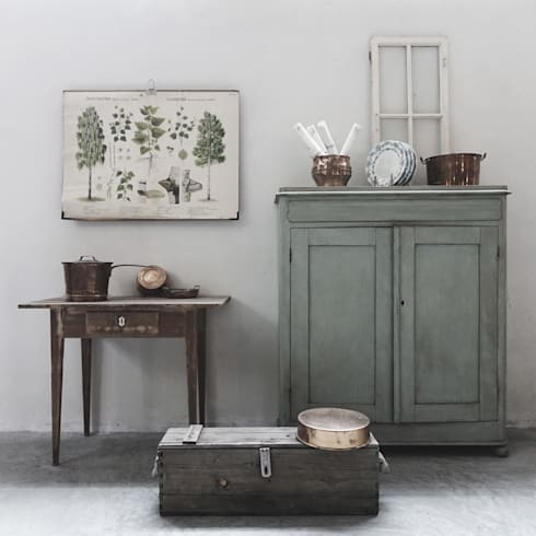 MÖBLER—Scandinavian Vintage. Authentic and Unique furniture and decor for those who want to be different.: scandinavian Kitchen by MÖBLER