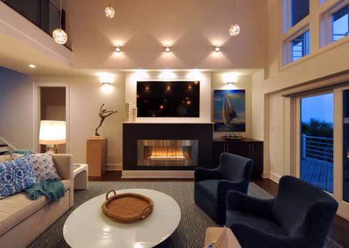 Modern Family Room: modern Living room by Olamar Interiors, LLC