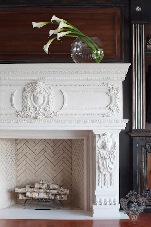 Living Room Fireplace: classic Living room by Kellie Burke Interiors