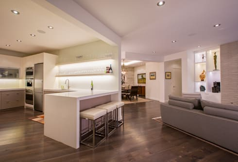 McLean Transitional : modern Kitchen by FORMA Design Inc.
