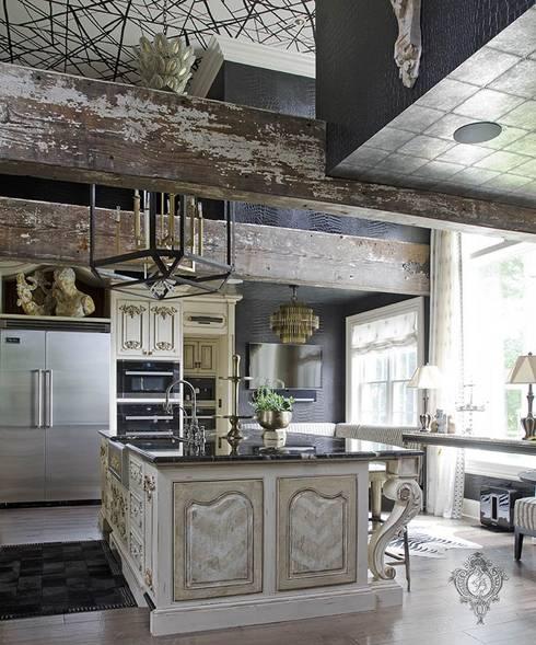 Kitchen Island: eclectic Kitchen by Kellie Burke Interiors