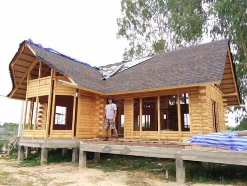 Log Home  ติดมอเตอร์เวย์:  บ้านและที่อยู่อาศัย by Sukjai Logcabin Partnership