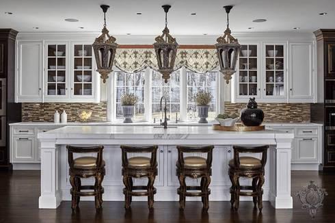 Kitchen Island: classic Kitchen by Kellie Burke Interiors