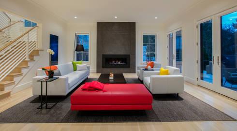 Bethesda Modern: modern Living room by FORMA Design Inc.