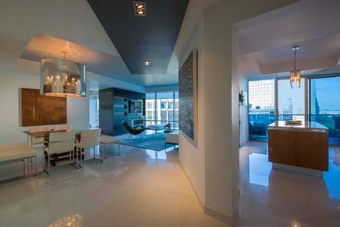 Skyline Flat in Rosslyn: modern Living room by FORMA Design Inc.