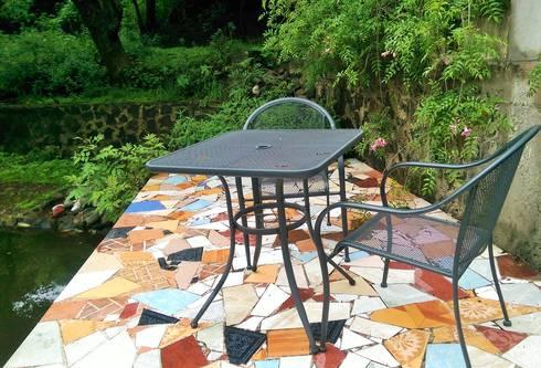 Casa Tigridia: Terrazas de estilo  por Paisaje Radical