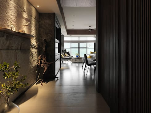 Sky Villa:  走廊 & 玄關 by 空間制作所