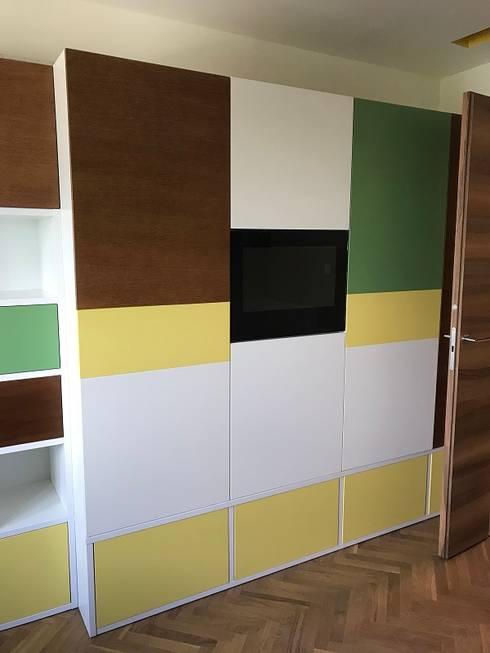 Cabinet door TV: minimalistic Nursery/kid's room by AVEL