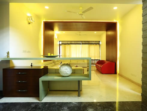 Living Area: modern Living room by Space Trend