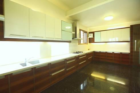 Kitchen: modern Kitchen by Space Trend
