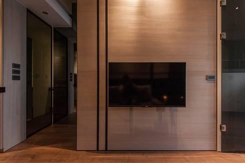 溫潤:  客廳 by 沐駿室內設計有限公司