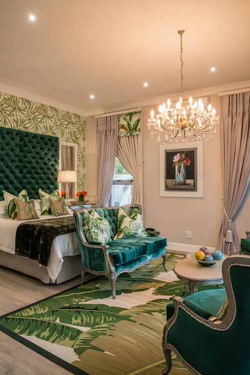 Main Bedroom. : classic Bedroom by Carne Interiors