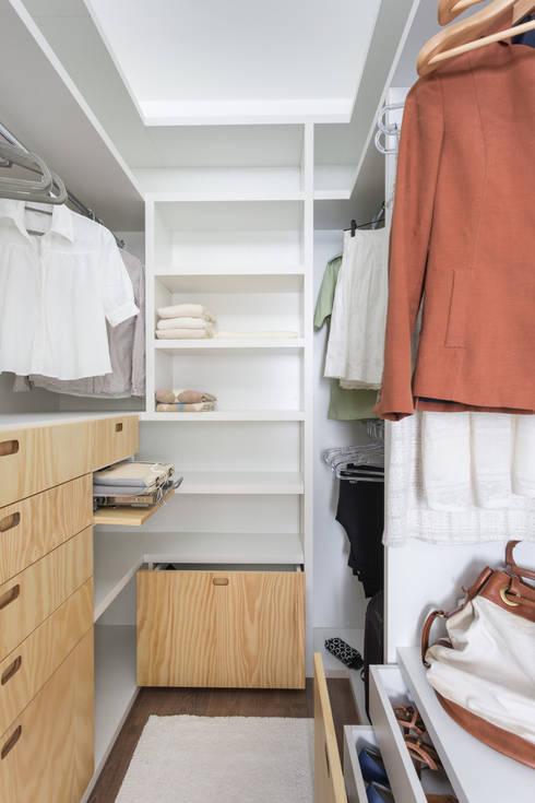 Closets de estilo  por ARQ.STHÊ.DEZ