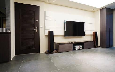 全室案例-新北市林宅:  客廳 by ISQ 質の木系統家具