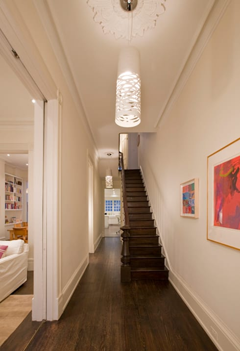 California Casual in Georgetown:  Corridor & hallway by FORMA Design Inc.