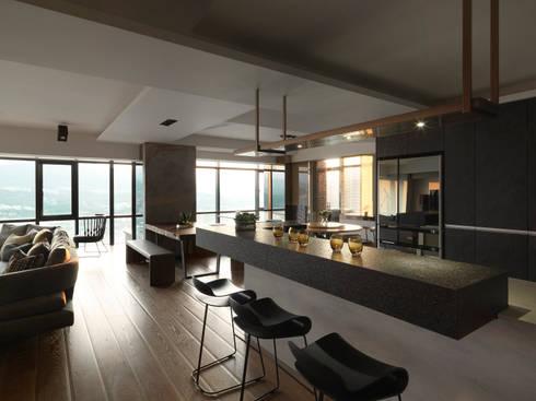 思路 延伸 Sense of Meditation:  餐廳 by 禾築國際設計Herzu  Interior Design