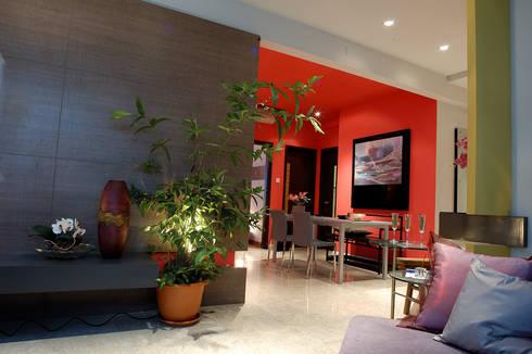 Foyer:  Corridor, hallway & stairs by E&U