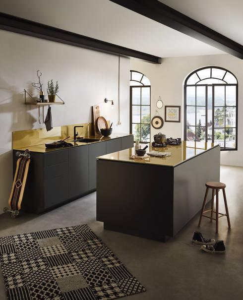 glasarbeitsplatten di d lechner gmbh homify. Black Bedroom Furniture Sets. Home Design Ideas