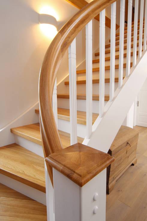 spitzenduo die kombination aus naturholz und wei liegt bei treppen voll im trend von streger. Black Bedroom Furniture Sets. Home Design Ideas