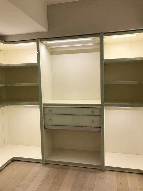 CABINET – Cabinet dolap sistemleri proje çalışması: klasik tarz tarz Giyinme Odası