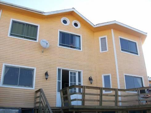 Casa Duarte_2003 : Balcones y terrazas de estilo  por XS Arquitectura