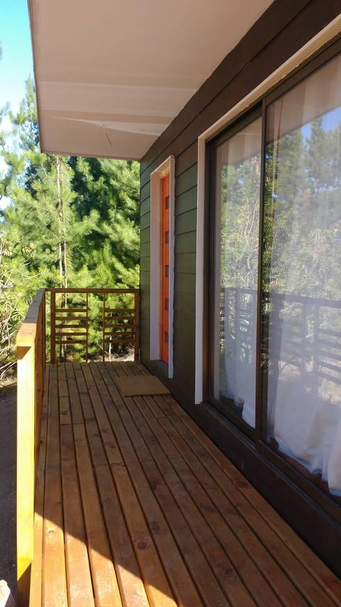 Prefabricated Home by Constructora Montgreen Ltda.