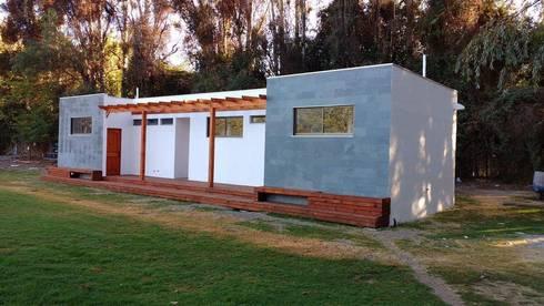 CAMARINES DERCO – COMPLEJO DEPORTIVO PEÑAFLOR: Lugares para eventos de estilo  por Constructora Montgreen Ltda.