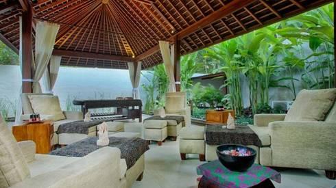 Ubud Padi Villas:   by WaB - Wimba anenggata architects Bali