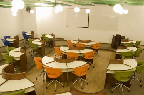 Classroom:  Schools by Studio - Architect Rajesh Patel Consultants P. Ltd