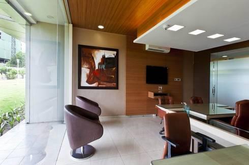 Cabins/Cubicle:  Office buildings by Studio - Architect Rajesh Patel Consultants P. Ltd