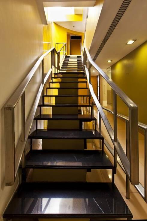 Офисные помещения в . Автор – Studio - Architect Rajesh Patel Consultants P. Ltd