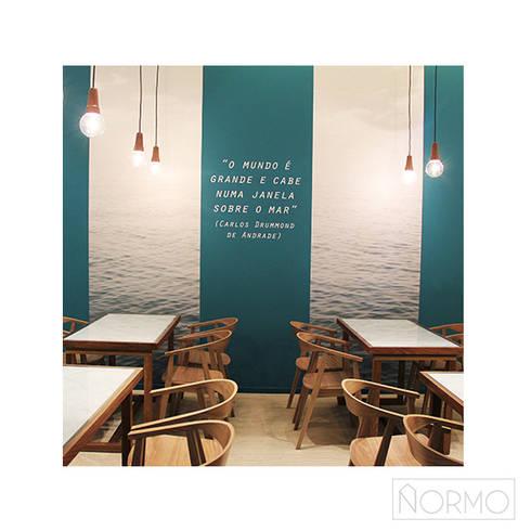 Candeeiro suspensão em madeira nogueira 2 : Sala de jantar  por Normo