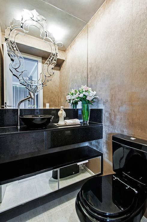 Projekty,  Łazienka zaprojektowane przez Carolina Kist Arquitetura & Design