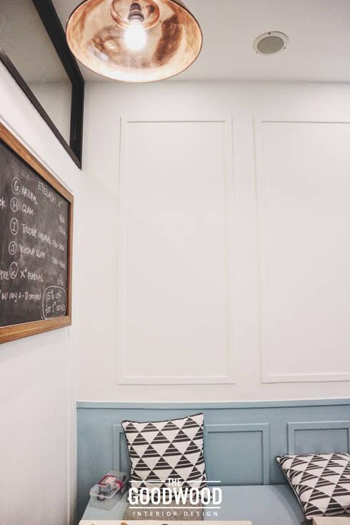 Two Cents Studio:  Klinik by The GoodWood Interior Design