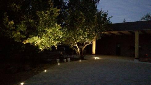 Centro de Eventos Casa Pirque : Casas de estilo moderno por GY3 Arquitectos. spa