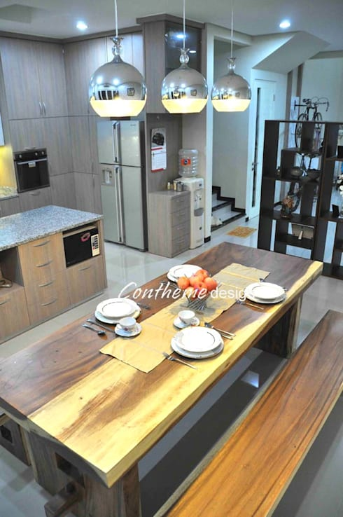 Rumah Tinggal:  Dining room by Contheme Design