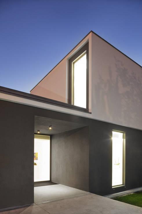 Casa tapada da rainha di psb arquitectos homify for Casa stile minimalista