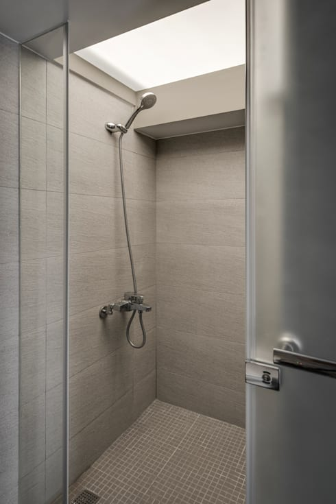 三民住宅:  浴室 by 齊禾設計有限公司